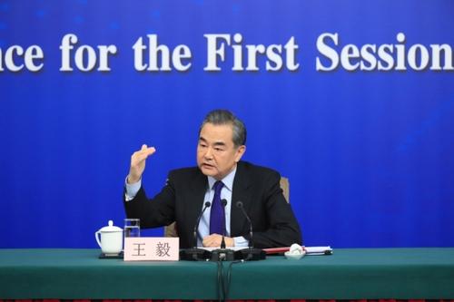 外交部长王毅就中国外交政策和对外关系回答中外记者提问(中英文对照2)