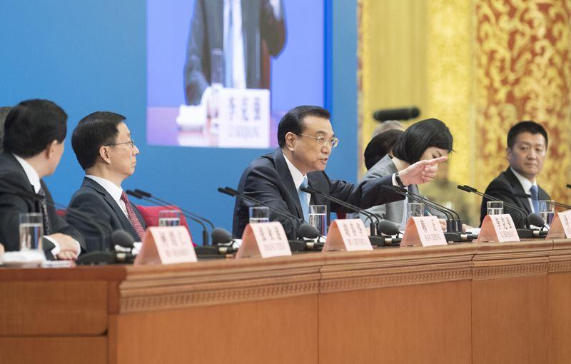 2018年李克强总理会见采访两会的中外记者并回答提问-中英文对照(1)